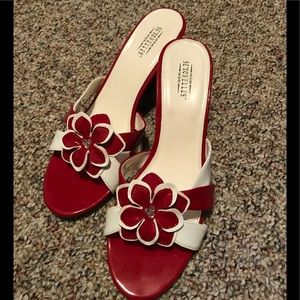 Seychelles red and white wedges